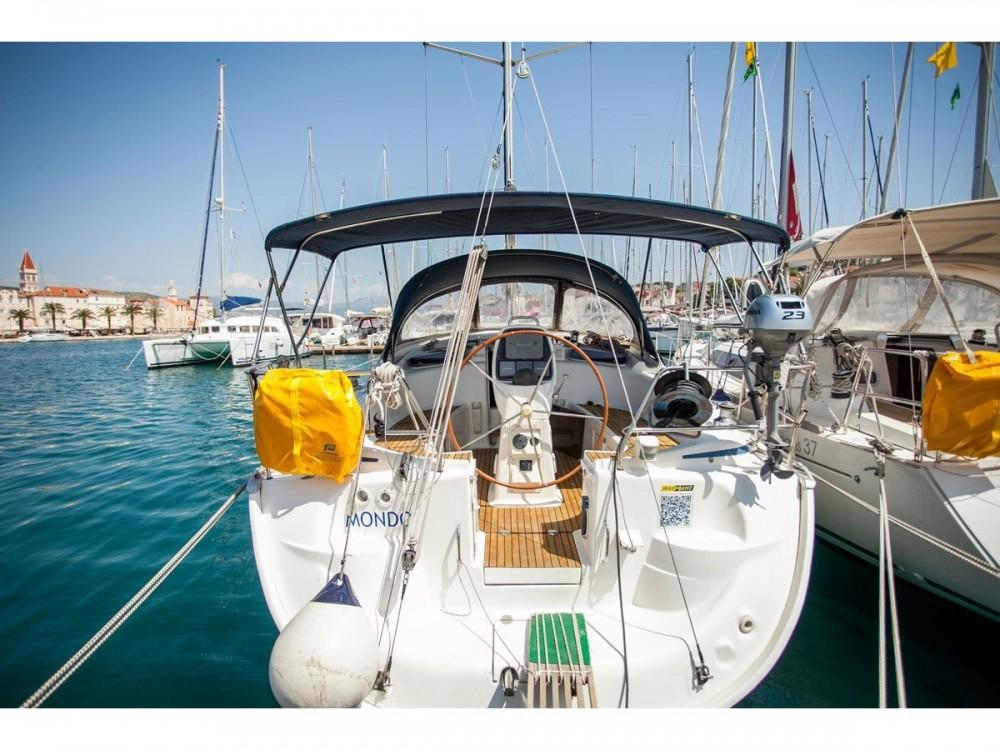 Location bateau ACI Marina Trogir pas cher Bavaria 37 Cruiser