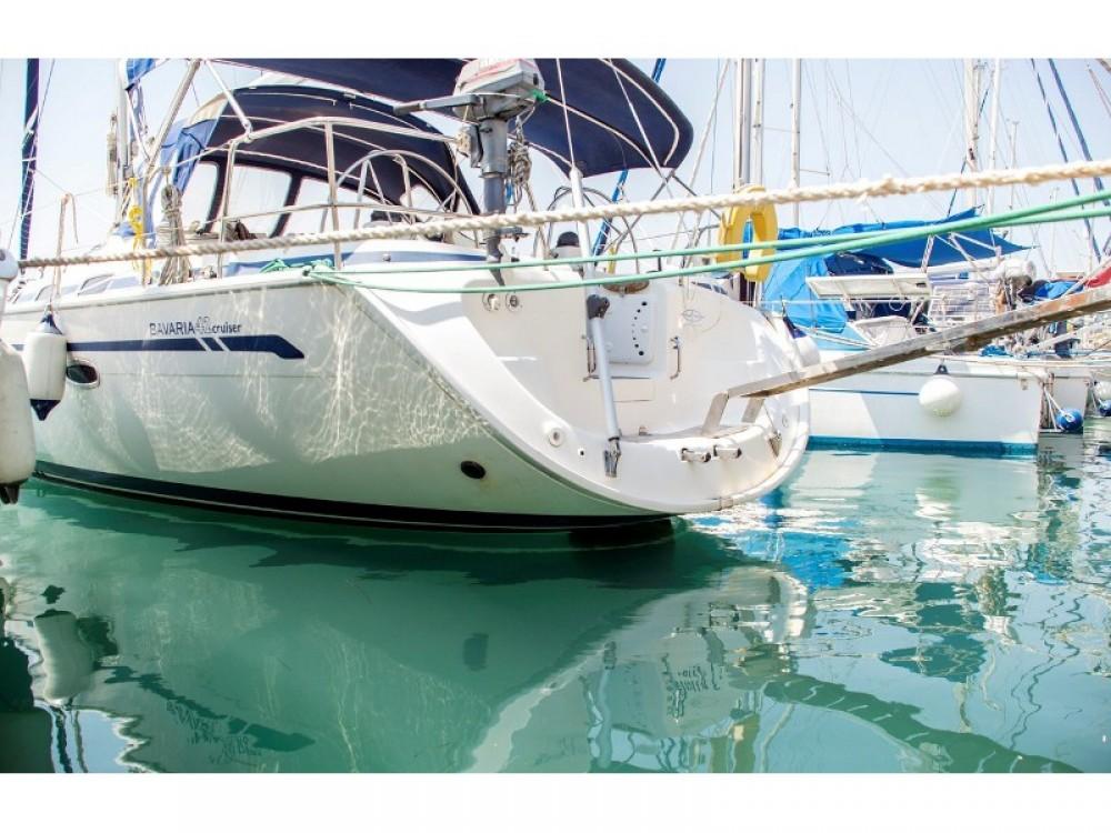 Location bateau Bavaria Bavaria 42 Cruiser à Marina de Alimos sur Samboat