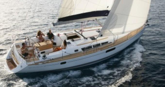 Louez un Jeanneau Sun Odyssey 49i à Lávrio