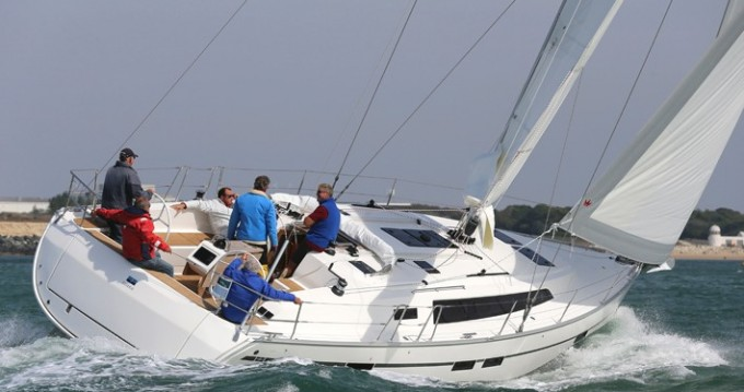 Bavaria Cruiser 46 entre particuliers et professionnel à Álimos