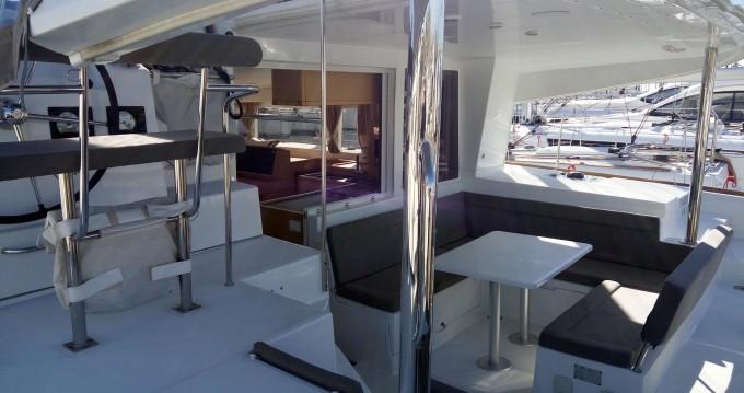 Location yacht à Álimos - Lagoon Lagoon 400 S2 sur SamBoat