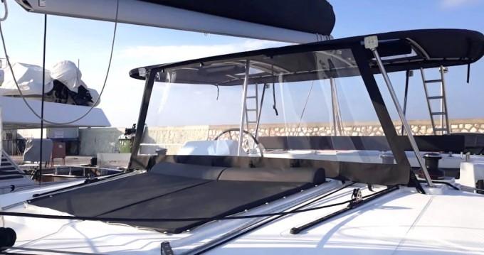 Location bateau Lagoon Lagoon 450 F à Álimos sur Samboat