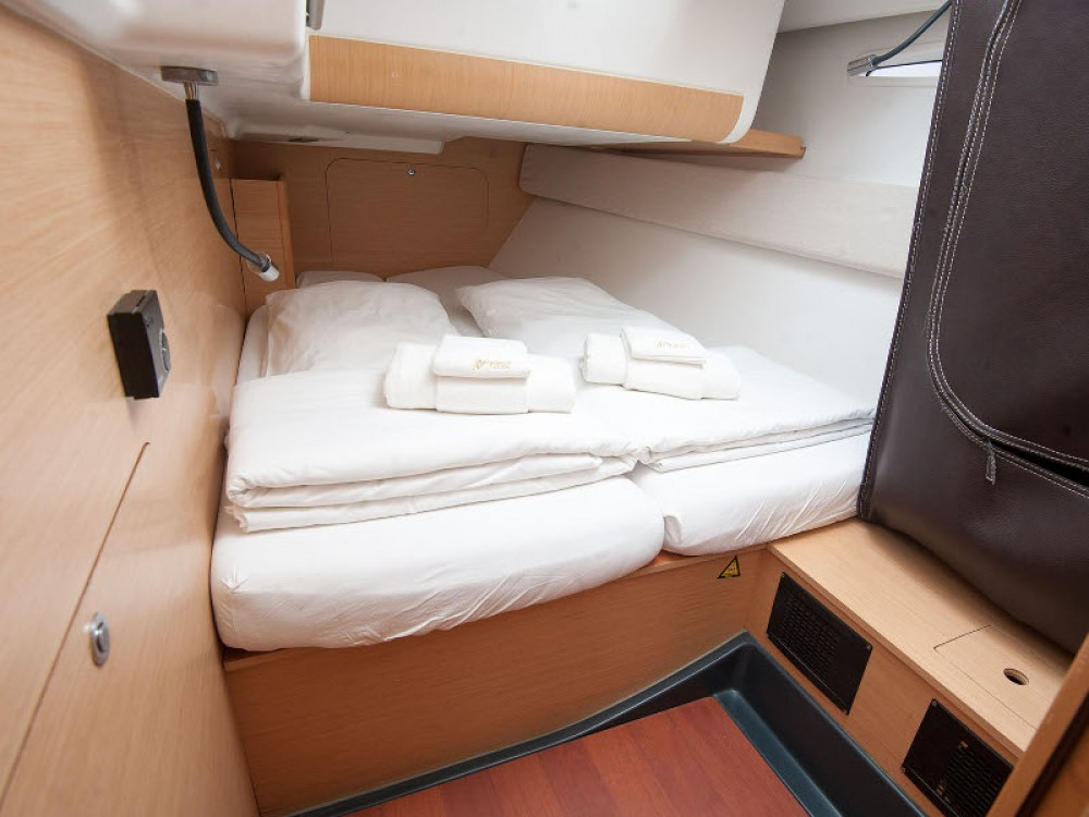 Location bateau Kaštel Gomilica pas cher Beneteau First 45