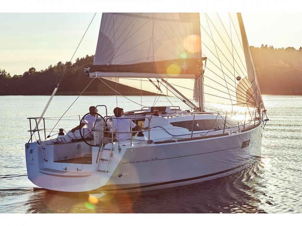 Louez un Jeanneau Sun Odyssey 319 à Volos