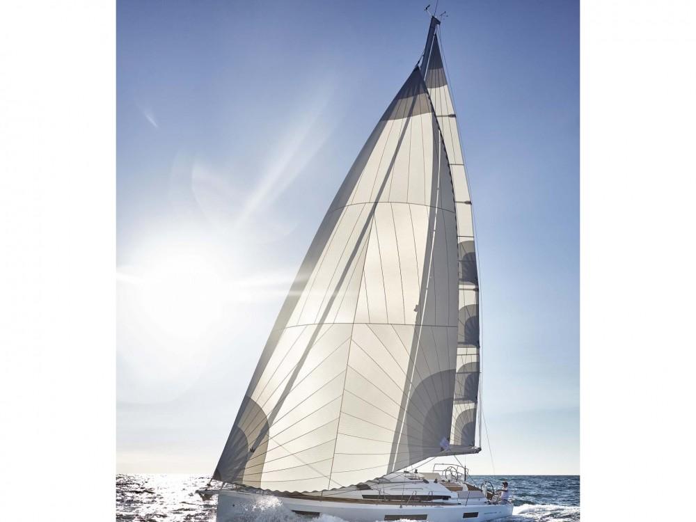 Louez un Jeanneau Sun Odyssey 440 à Volos