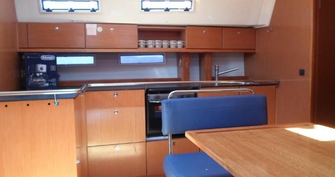 Location bateau Bavaria Bavaria 45 Cruiser à Gouviá sur Samboat