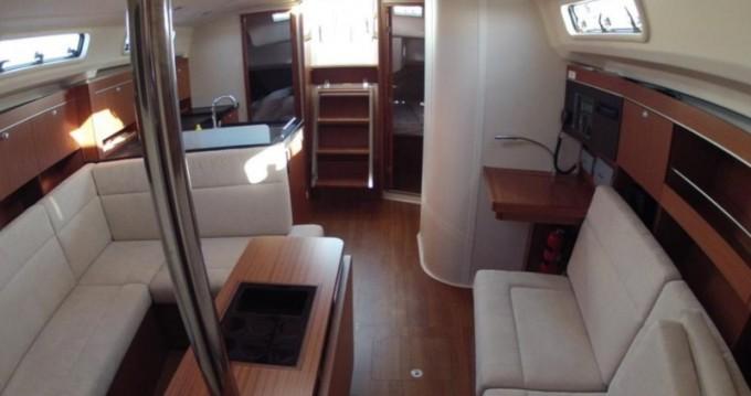 Location bateau Hanse Hanse 385 à Ponta Delgada sur Samboat