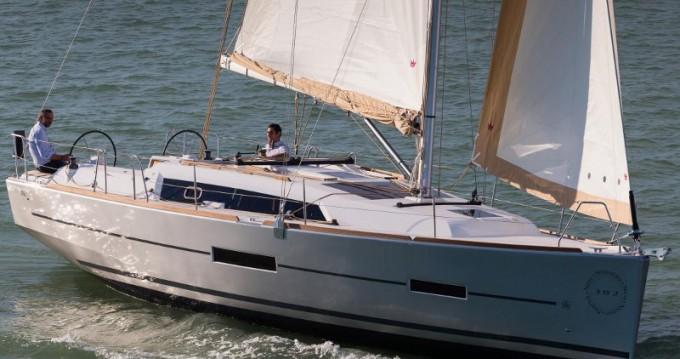 Location bateau Marina di Portorosa pas cher Dufour 382 Grand Large Shira 2018