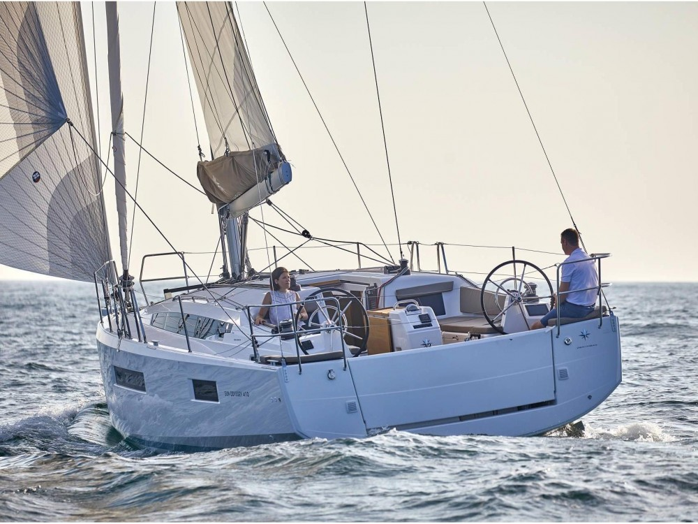 Location bateau Jeanneau Sun Odyssey 410 à Leucade sur Samboat