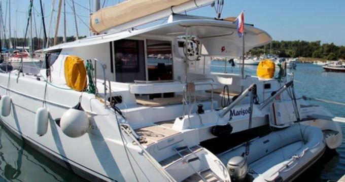 Louer Catamaran avec ou sans skipper Fountaine Pajot à Veruda