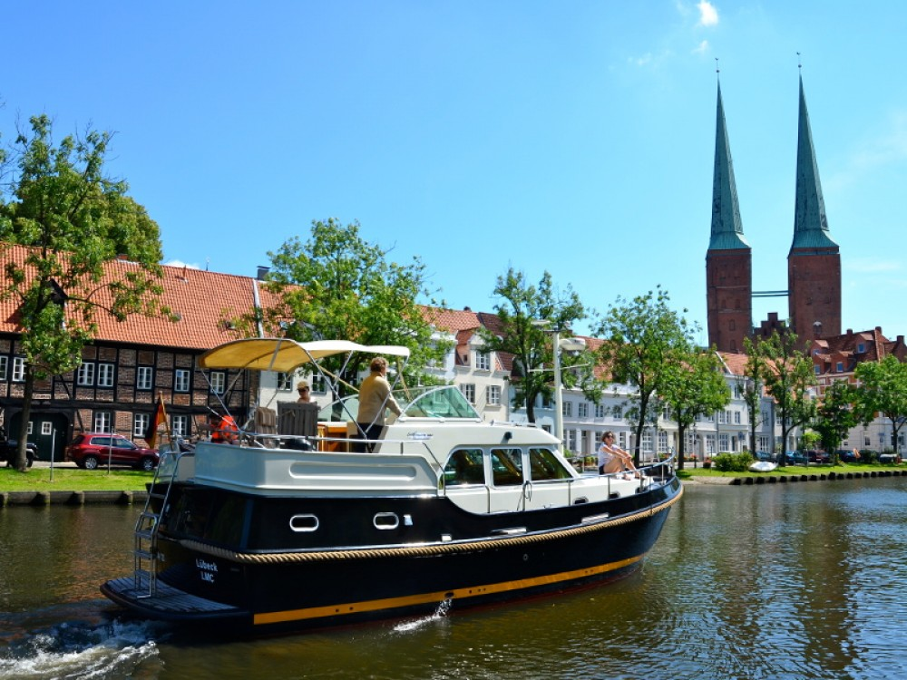 Bateau à moteur à louer à Lübeck au meilleur prix