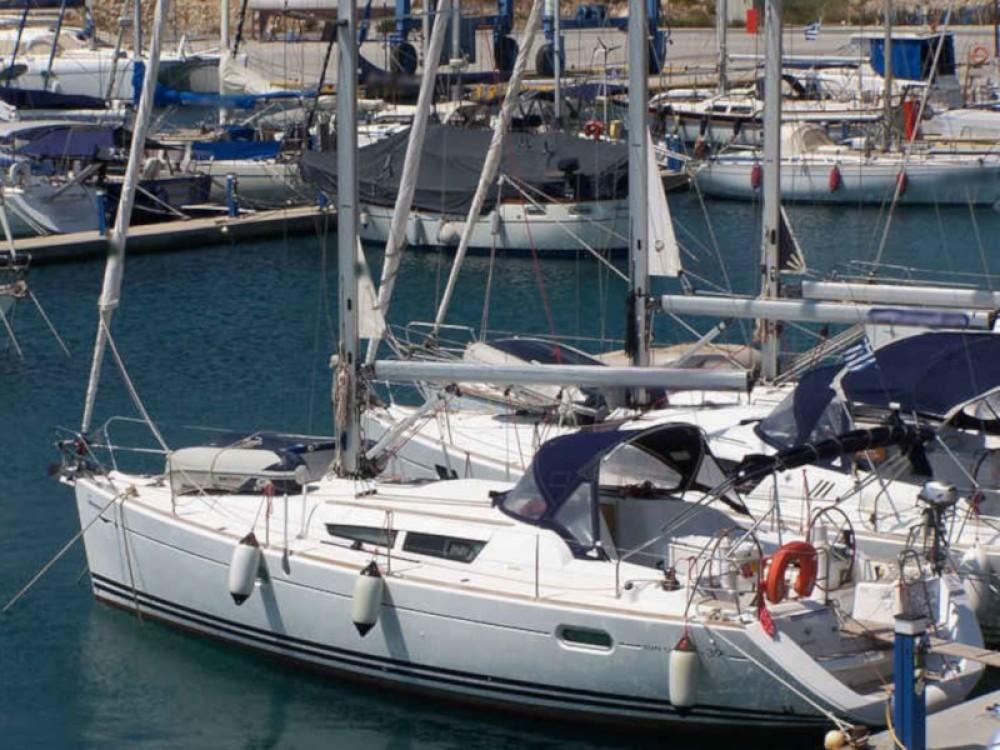 Jeanneau Sun Odyssey 39i entre particuliers et professionnel à Nikiana