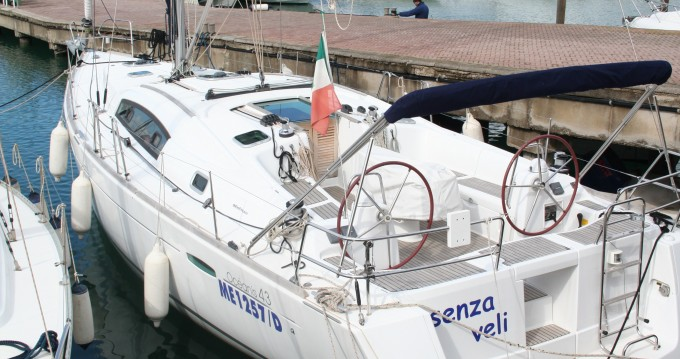 Bénéteau Oceanis 43 entre particuliers et professionnel à Marina di Portorosa