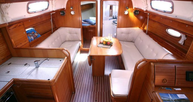 Location yacht à Gouviá - Bavaria Bavaria 37 C sur SamBoat