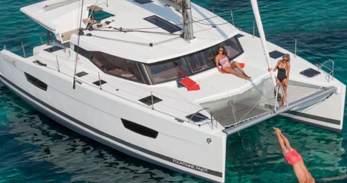 Catamaran à louer à Porto de Portimao au meilleur prix