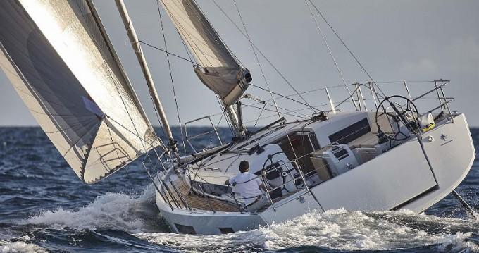 Location bateau Jeanneau Sun Odyssey 440 à Porto de Portimao sur Samboat
