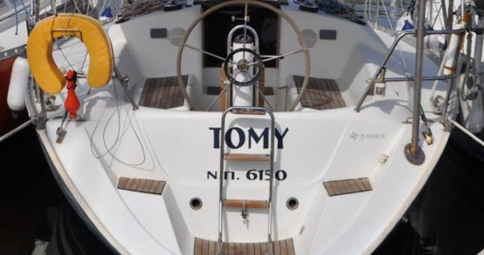 Jeanneau Sun Odyssey 33 entre particuliers et professionnel à Álimos