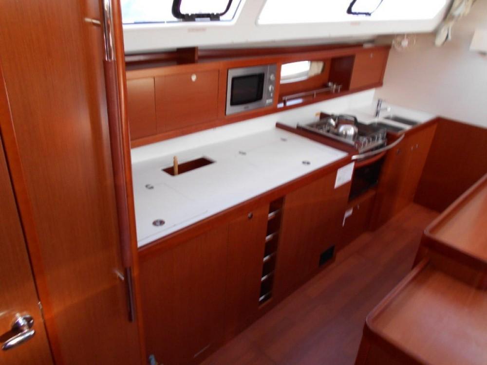 Location bateau Bénéteau Oceanis 50 Performance à  sur Samboat