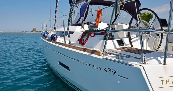Louez un Jeanneau Sun Odyssey 439 à Lefkada (Île)