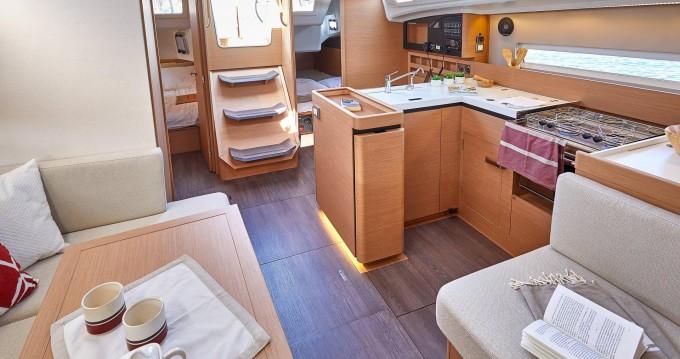 Jeanneau Sun Odyssey 410 entre particuliers et professionnel à San Vincenzo