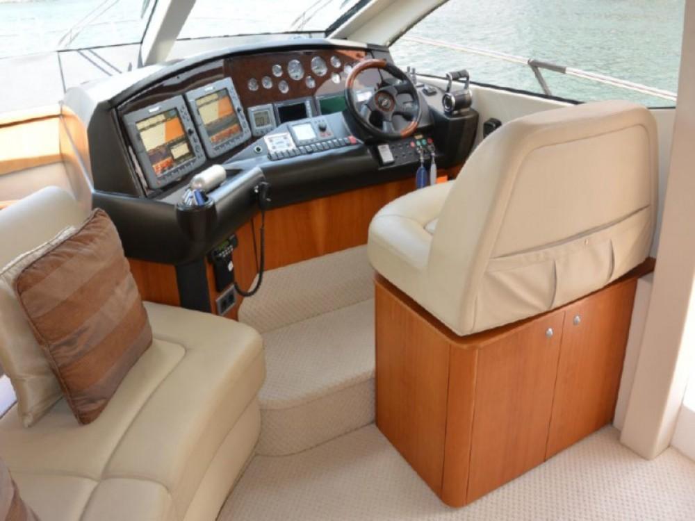 Location bateau Sunseeker Sunseeker Manhattan 52 à Badalona sur Samboat