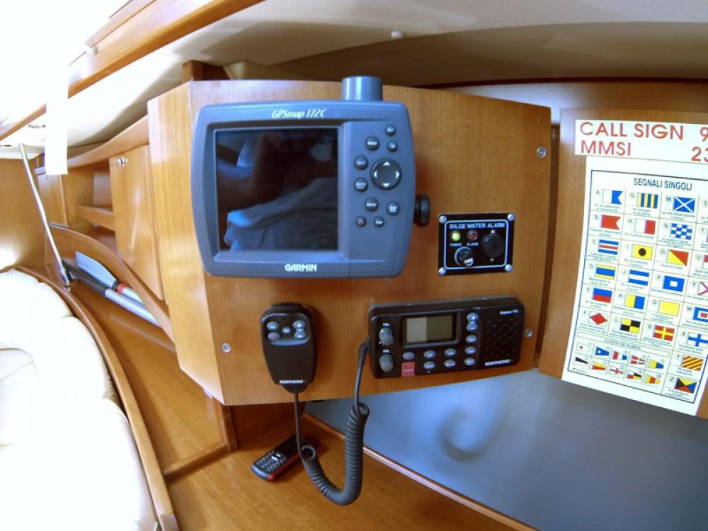 Location bateau Sibenik pas cher Dufour 365 GL