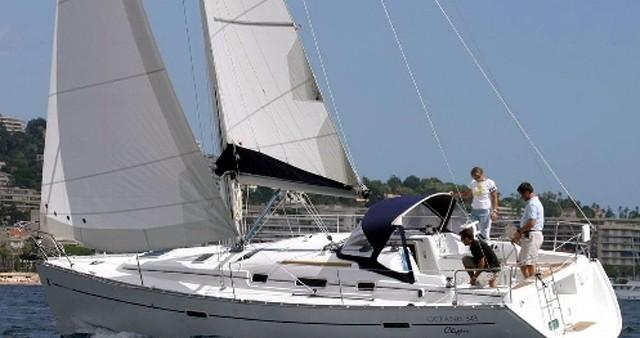 Bénéteau Oceanis 343 entre particuliers et professionnel à Skiathos
