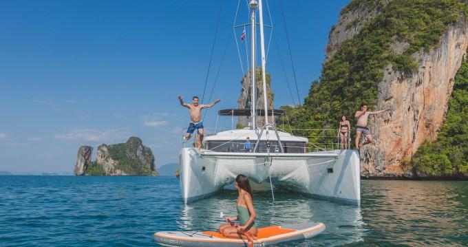 Catamaran à louer à Ao Po au meilleur prix