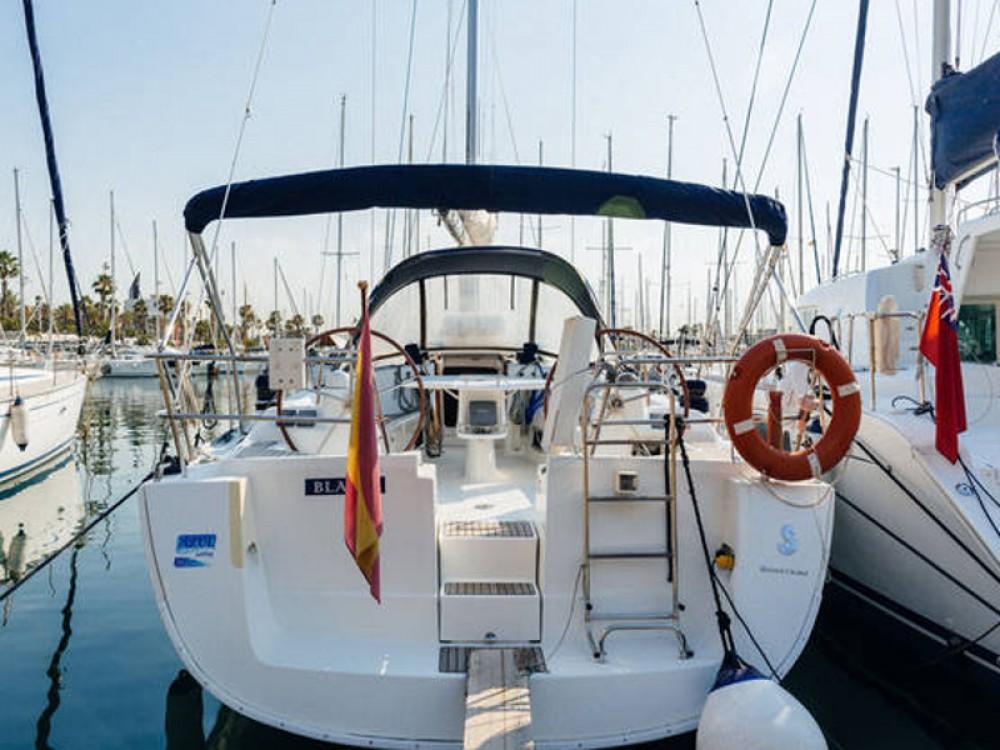 Location bateau Port Olímpic pas cher Beneteau Oceanis 43