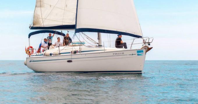 Location bateau Barcelone pas cher Bavaria 37 Cruiser