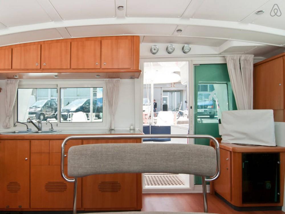 Louer Catamaran avec ou sans skipper Lagoon à Port Olímpic