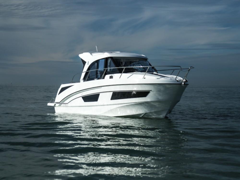 Location bateau Bénéteau Antares 9 OB à Zadar sur Samboat