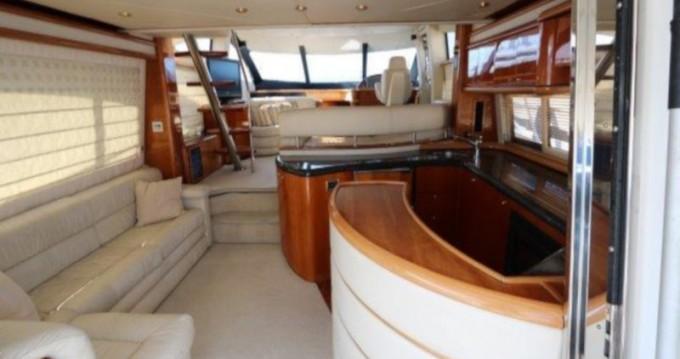 Location bateau Donji Seget pas cher Sunseeker 64