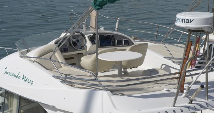 Location yacht à Port de Sitges Aiguadolç - Jeanneau Prestige 32 sur SamBoat