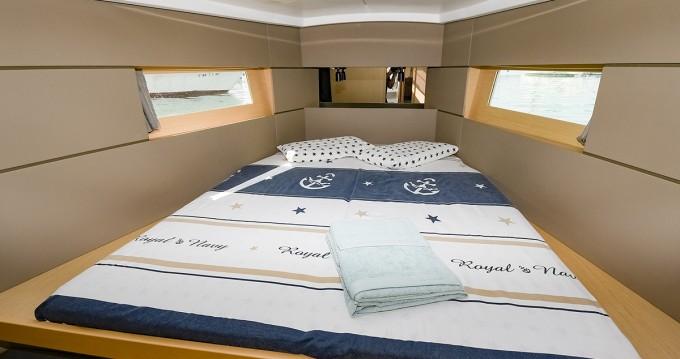 Location yacht à Port de Sitges Aiguadolç - Bénéteau Oceanis 38 sur SamBoat
