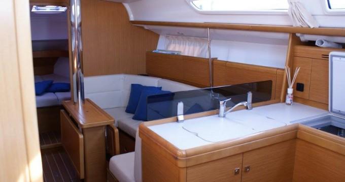 Location yacht à San Vincenzo - Jeanneau Sun Odyssey 36i sur SamBoat