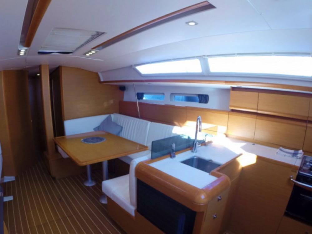 Location bateau Jeanneau Sun Odyssey 439 à Îles Baléares sur Samboat