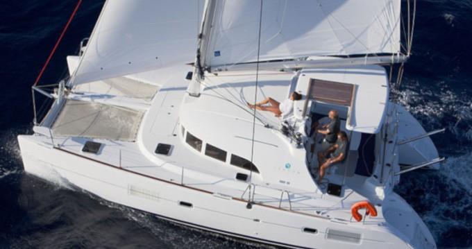 Lagoon Lagoon 380 S2 entre particuliers et professionnel à Capo d'Orlando