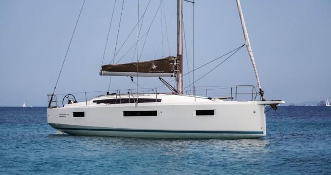 Location bateau Jeanneau Sun Odyssey 410 à Olbia sur Samboat