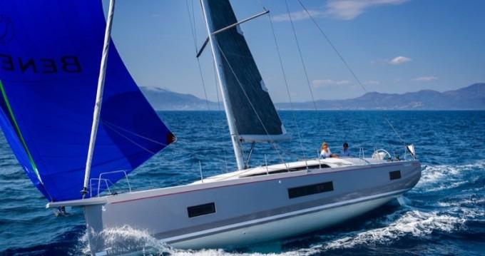 Location bateau Salerno pas cher Oceanis 46.1