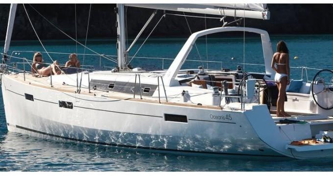 Bénéteau Oceanis 45 entre particuliers et professionnel à Marina di Portorosa