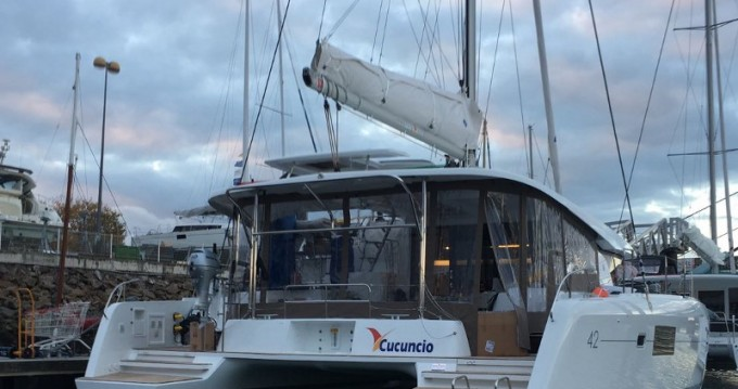 Location bateau Lagoon Lagoon 42 à Olbia sur Samboat