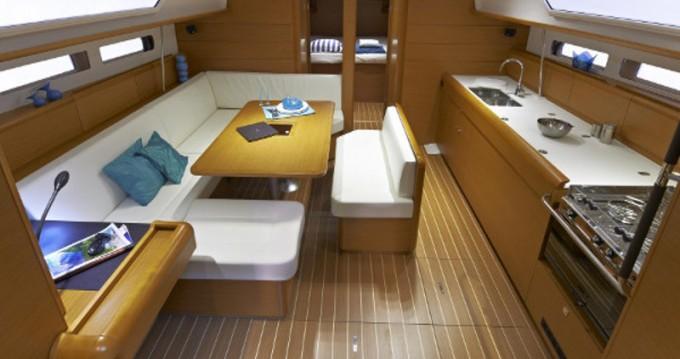 Location bateau Olbia pas cher Sun Odyssey 479