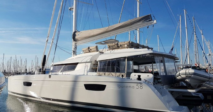 Location yacht à Cogolin - Fountaine Pajot Samana 59 sur SamBoat