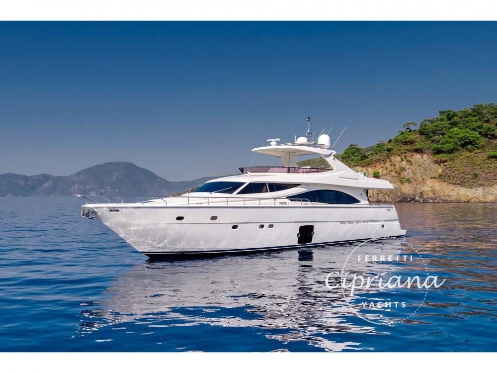 Louer Yacht avec ou sans skipper Ferreti à Muğla
