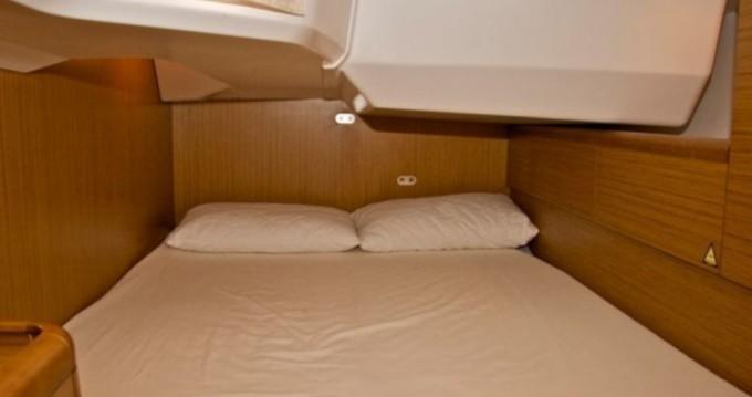 Location yacht à Nettuno - Jeanneau Sun Odyssey 49i sur SamBoat