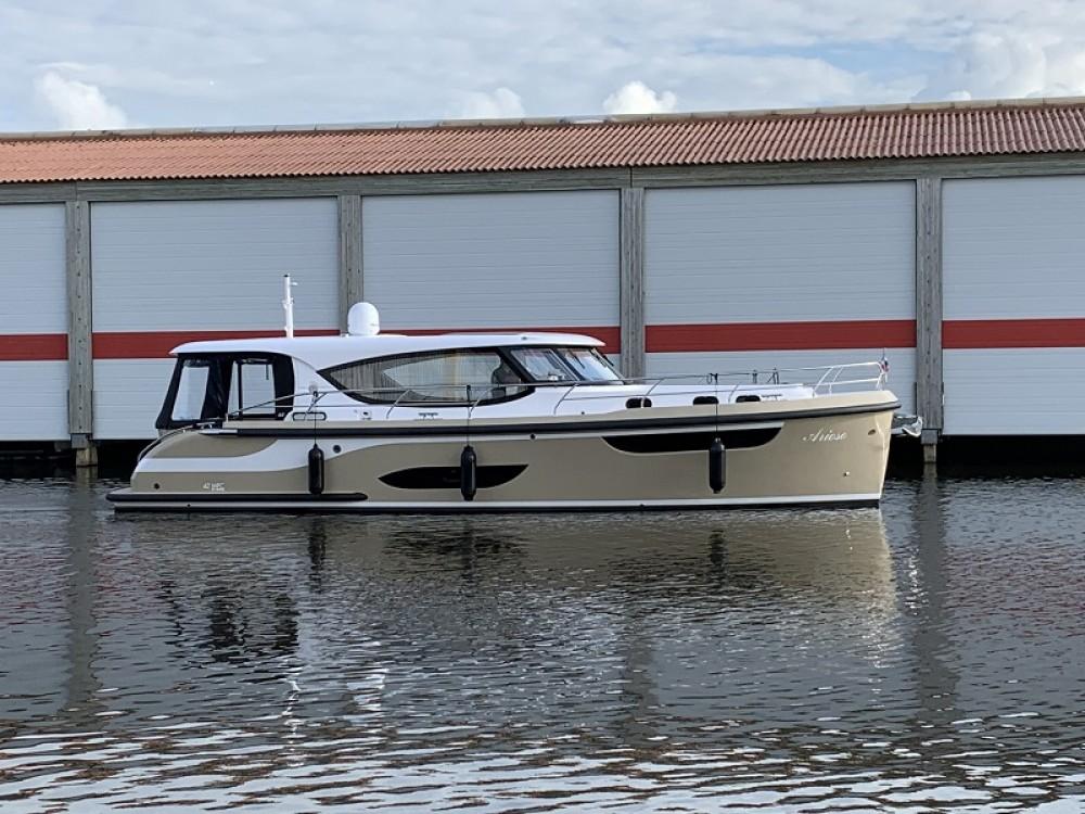 Location yacht à  -  Jetten 42 MPC sur SamBoat