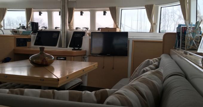 Catamaran à louer à Marina di Portisco au meilleur prix