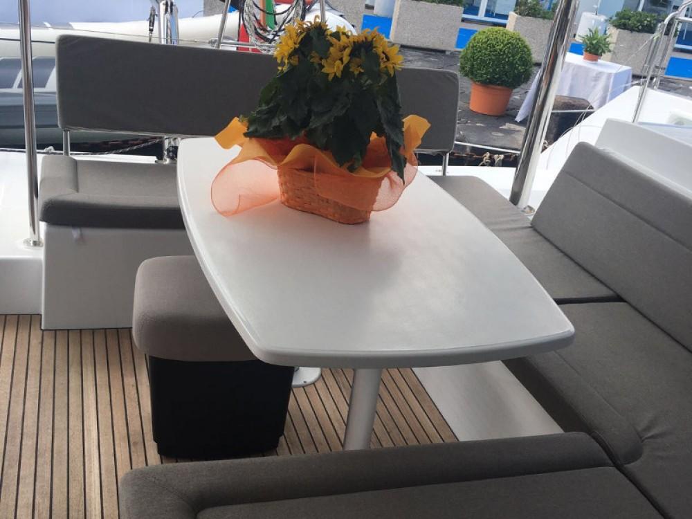Louer Catamaran avec ou sans skipper Lagoon à Rome
