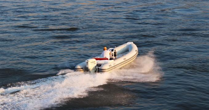 Location bateau Trogir pas cher Joymarc 490